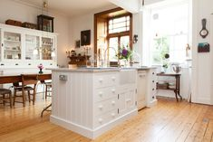 Grainne knocked through between the kitchen and dining room to create this welcoming space/Photo: Susie Lowe Farmhouse Kitchen Inspiration, Rustic Kitchen, Kitchen Dining, Kitchen Island, Dining Room, Kitchen Ideas, Farmhouse Ideas, Edwardian House, Victorian Homes