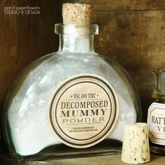 FREE Apothecary Jar Labels She has both an already aged look and just white as well with great instructions for aging the white ones yourself Halloween Apothecary Jars, Halloween Bottle Labels, Halloween Potions, Spooky Halloween, Halloween Decorations, Halloween Stuff, Bottle Decorations, Halloween Forum, Spooky Decor