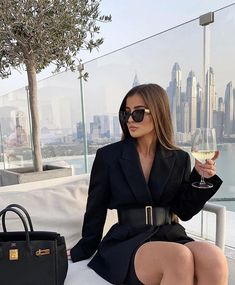 Shared by Nez ✨. Find images and videos about fashion, black and dress on We Heart It - the app to get lost in what you love. Classy Outfits, Chic Outfits, Fashion Outfits, Night Outfits, Classy Aesthetic, Aesthetic Clothes, Elegantes Outfit Frau, Looks Chic, Rich Girl