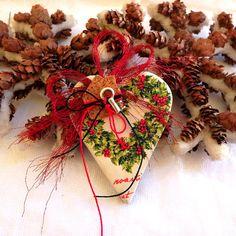 Christmas gift heart ornament good luck charm by kosmobysoul Christmas Wreaths, Christmas Gifts, Ornaments Ideas, Heart Ornament, Holiday Decor, Fall, Christmas Swags, Christmas Presents, Autumn