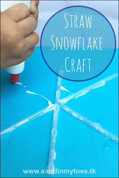 Cute and easy winter craft for toddlers and preschoolers! Use straws to make a snowflake pattern.
