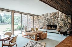 This mid century in Holladay Utah by William Pereira is a stunning and rare example of a higher level of modernism. Higher level meaning that