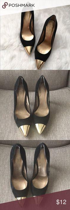 Jessica Simpson ' Dazed ' Pumps Preowned. No box. Black with gold cap toe pumps Jessica Simpson Shoes Heels
