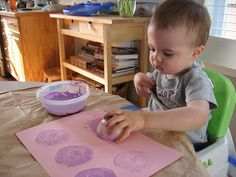 Onion printing at  No Time For Flash Cards. Loads of great art activities for toddlers with detailed instructions and supply lists.