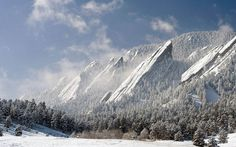 "THE MIGHTY FLATIRONS OF BOULDER, COLORADO   Photograph via Reddit   The Flatirons are rock formations near Boulder, Colorado. There are five large, numbered Flatirons ranging from north to south (First through Fifth, respectively) along the east slope of Green Mountain, and the term ""The Flatirons"" sometimes refers to these five alone."