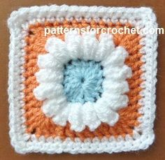 Free crochet pattern: 3 Colored Granny Square from Patterns For Crochet