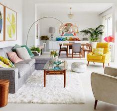 Salon blanc et touches de couleurs