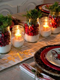 50 Most Beautiful Christmas Table Decorations – I love Pink - Christmas Decorations🎄 Christmas Mason Jars, Noel Christmas, Mason Jar Diy, Rustic Christmas, Winter Christmas, Christmas Crafts, Elegant Christmas, Modern Christmas, Christmas 2019