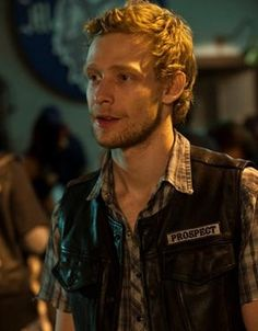 Johnny Lewis aka Half-Sack...died after killing an elderly woman?  Writing R.I.P. to doesn't seem to fit here. Sons Of Anarchy Characters, Johnny Lewis, Outlaws Motorcycle Club, Sons Of Anarchy Motorcycles, Sons Of Anarchy Samcro, Ron Perlman, Charlie Hunnam, Best Shows Ever, Actors & Actresses