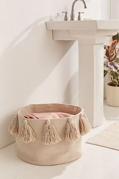 Shop Lorena Canals Tassel Laundry Basket at Urban Outfitters today. We carry all the latest styles, colors and brands for you to choose from right here. Rope Crafts, Diy Home Crafts, Diy Home Decor, Lorena Canals, Laundry Hamper, Diy Storage, Boho Decor, Decoration, Home Accessories