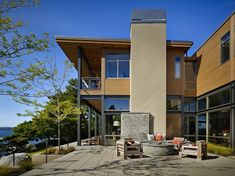 grand-glass-lake-house-with-bold-steel-frame-5.jpg