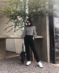 Modest Fashion Hijab, Modern Hijab Fashion, Street Hijab Fashion, Casual Hijab Outfit, Hijab Fashion Inspiration, Muslim Fashion, Ootd Hijab, Fashion Outfits, Women's Fashion