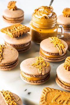 Vegan Biscoff Macarons using the French method, filled with biscoff cookie butter! Plus video recipe of how to make these vegan macarons. Vegan Treats, Vegan Desserts, Just Desserts, Dessert Recipes, Vegan Macarons, Biscoff Cookie Butter, Macaron Cookies, French Macaroons, Macaroon Recipes