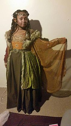 The ultimate dwarven queen costume by the amazing kyujocosplay Whooo! The con is too that's why I wasn't active at all lol. But here are my photos (taken at like the first day I wore it. So that's why I'm so shiny lol) But this is my.