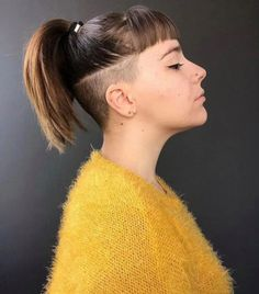 undercut bob hairstyles: Women additionally love this challenging hairdo pattern, and it's anything but difficult to perceive any reason why. Undercut Ponytail, Shaved Undercut, Undercut Long Hair, Undercut Bob, Undercut Women, Shaved Nape, Shaved Sides, Undercut Hairstyles, Short Ponytail
