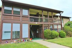 $102,000**103G Amberly Desirable one bedroom upper unit across from the clubhouse This unit has enclosed Sunroom overlooking lawn and an Eat in Kitchen. Extra large Laundry room offers lots of storage. Perfect for Buyer or Investor-needs some updating-Great Price! Enjoy the good life in a convenient location in the heart of Manalapan near everything! Covered Bridge offers Clubhouse with Gym, Community Pool, lots of Activities, Shuffle Board, Tennis etc. Adjacent to Monmouth County golf…