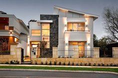 Buena Luz - Casa Contemporánea iluminada con luz natural que redefine la vida costera de lujo.