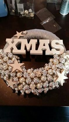 Christmas wreath - Lilly is Love Christmas Porch, Christmas Makes, Merry Christmas And Happy New Year, Christmas 2017, Christmas Projects, Winter Christmas, Christmas Holidays, Advent, Whimsical Christmas