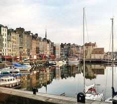 Morning in #honfleur #normandie #normandy #france #igersnormandie  #igersfrance #ig_france #port #seaport #vantagerivercruise #vacation