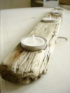 {Decor} DIY driftwood candle holders for the tables at the reception Driftwood Furniture, Driftwood Projects, Driftwood Art, Driftwood Ideas, Driftwood Candle Holders, Beach Crafts, Old Wood, Painting On Wood, Drift Wood