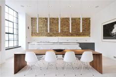 Love this table with the Eames chairs!