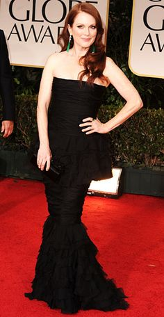 Julianne Moore in Chanel (Golden Globes 2012)