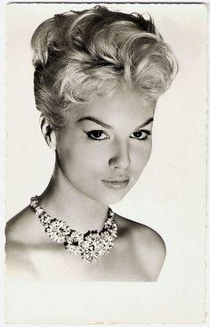 137 best images about Jacqueline Bisset ♥ on Pinterest