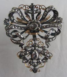Late seventeenth century silver, gold and diamonds pendant.