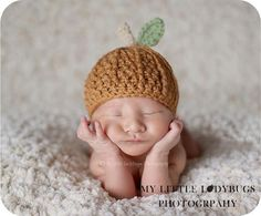 This little pumpkin hat would be so adorable with the Little Pumpkin birth announcement by Bean Sprout Studio
