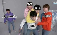 Txt and bts Foto Bts, Bts Photo, Bts Boys, Bts Bangtan Boy, Jhope, Song Meme, Angst Im Dunkeln, Bts Meme Faces, Bts Memes Hilarious