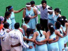 Shahrukh Khan on the set - Chak De! Chak De India, Shahrukh Khan, My Childhood, Bollywood, Wrestling, Indian, Album, Films, Motivation
