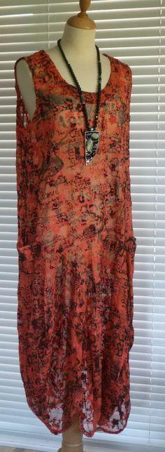 Fabulous Sarah Santos quirky Lagenlook lace  dress - Great Price!