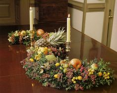 Williamsburg Christmas Table Decorations | all photos from Entertaining Ideas from Williamsburg