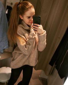 #inst10 #ReGram @evicka_klenovcov: Fakt vzrůšo tohle to Teda! #excitement #shoping #shopingtime ##happy #love #me #blond #blondehair #makeup #princess #moda #hm #hobby #cezchgirl #BlackBerry #photography  #BlackBerryClubs #BlackBerryPhotos #BBer #BlackBerryGirls