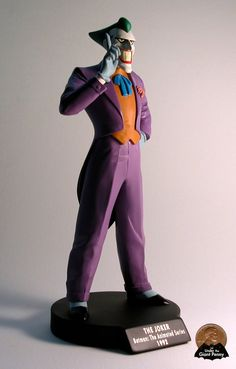 The Joker Maquette from DC Direct Batman: The Animated Series   photo and review by underthegiantpenny.blogspot.com