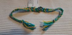 Freundschaftsband blau gelb grün Band, Friendship Bracelets, Blue Yellow, Hand Crafts, Sash, Bands, Friend Bracelets