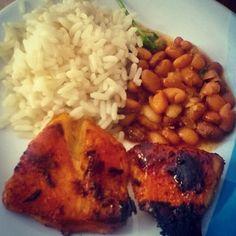 O básico do básico de sempre   #dieta #ra #reeducaçaoalimentar #fit #fitness #fitfood #eatclean #healthy #blogdadrika #30tododia #comeeagacha #frangocombatatadoce #dietaeterna #healthyfood #healthylifestyle #emagrecer #emagrecendo #foodjampa #secavaca #projetosecavaca #almoço #lunch by costaclaudia92