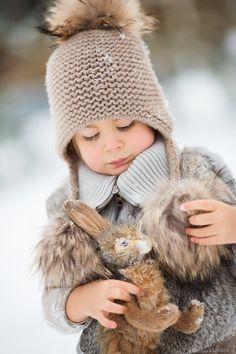 С Алиной и её очаровательной дочкой мои читатели уже знакомы) Зимой у нас была еще одна встреча, со снежком, морозцем и румяными щечками) Приятного просмотра!