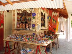 Beberibe - Barracas de artesanato no Morro Branco