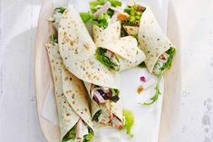 easy and quick, chicken&coleslaw filled wraps Healthy Recepies, Good Healthy Recipes, Buffet, Healthy Wraps, Cold Meals, Quick Snacks, Wrap Sandwiches, Fabulous Foods, Party Snacks