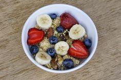 MONIKA CHODYNA: Power śniadanie: kasza jaglana z bakaliami i owoca...