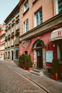 Warsaw Old Town, Warsaw Poland, Warsaw University, Poland Travel, Public Garden, Krakow, Best Cities, Study Abroad, World Traveler
