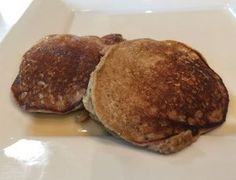 Grain-free banana pancakes - easy to make and easier to eat! No Flour Pancakes, Pancakes Easy, Banana Pancakes, 21 Day Fix Meal Plan, Grain Free, My Recipes, Meal Planning, Easy Meals, Treats