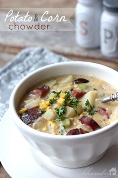 Potato & corn chowder...this look amazing!