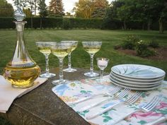 The Tablescaper: Dinner in the Rose Garden Tables, Alcohol, Table Decorations, Dinner, Rose, Glass, Garden, Summer, Home Decor