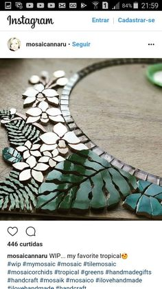 Detail, Inspiration by circles and slate river. Mosaic art by Ursula Huber, Marble mosaic combined with natural slate. Mosaic Artwork, Mirror Mosaic, Mosaic Wall, Mosaic Glass, Mosaic Tiles, Stained Glass, Glass Art, Tropical Mosaic Tile, Mosaic Madness