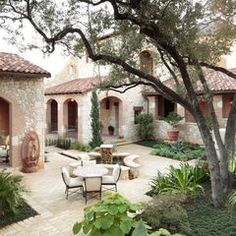Tuscan style patio/courtyard with fountain. Spanish Style Homes, Spanish House, Spanish Colonial, Spanish Revival, Home Design, House Design Photos, Design Ideas, Modern Design, Design Art