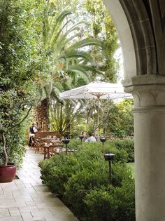 officially, the chateau marmont hotel has no bar. unofficially, its lobby restaurant is among the most interesting places to have a drink in los angeles.