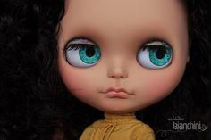 Custom Tan Skin Blythe Doll by Gisele Bianchini - Estúdio Bianchini - Brazil