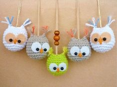 Using this amigurumi owl pattern you can create a pretty keychain or lovely trinket. The amigurumi pattern is very easy and perfectly suits to beginners. Crochet Diy, Crochet Birds, Crochet Amigurumi, Crochet Crafts, Yarn Crafts, Crochet Projects, Cat Amigurumi, Owl Crafts, Owl Crochet Patterns